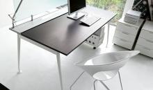 Ukázka pracovního stolu v barvě Wenge - GIOVE