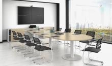 Jednací stoly FORUM na centrální podnoži - kombinace světlé dřeviny