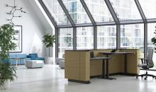 Recepce s výškově stavitelnými stoly