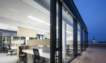 Pohled na kancelář z terasy