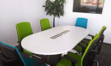 Jednací stůl WISTRON