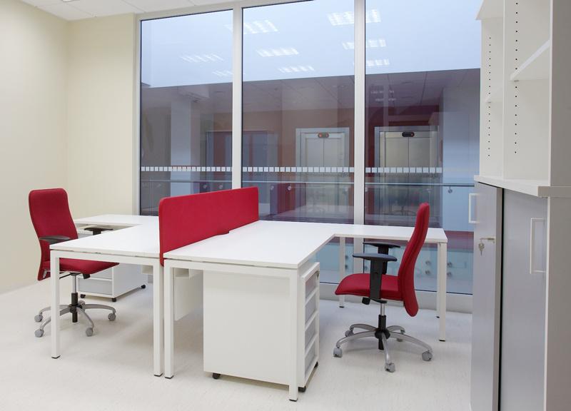 Stůl do kanceláře